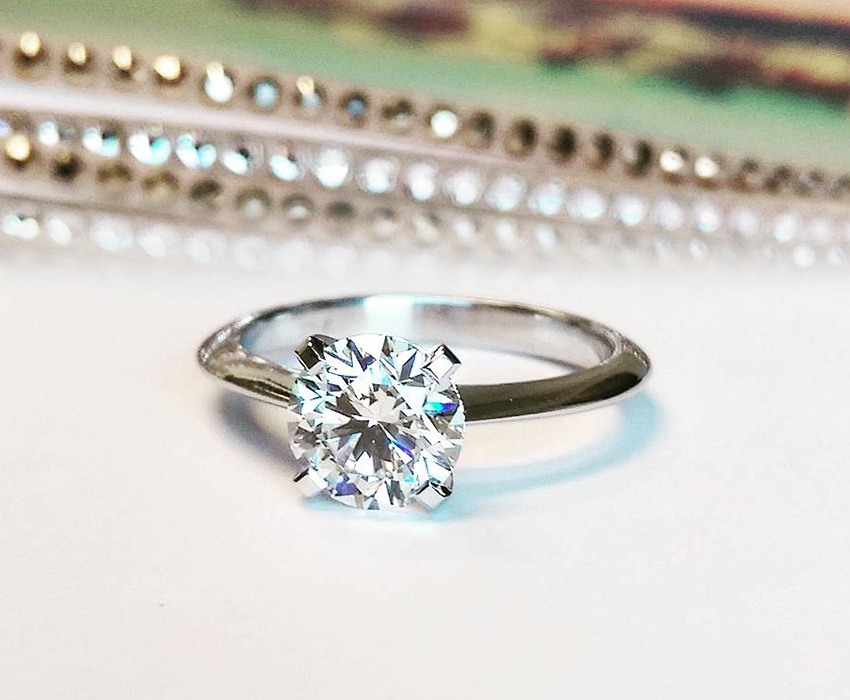 Experience a new way of buying a diamond engagement ring